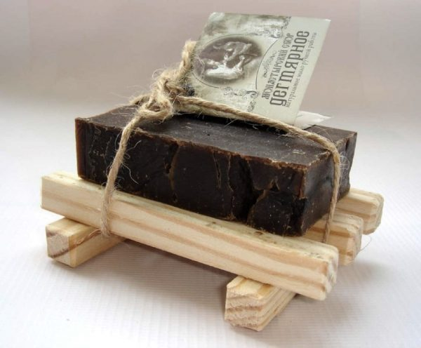 Дегтярное мыло для борьбы с пятнами мазута