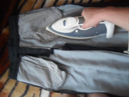 Как правильно гладить брюки со стрелками и без них, нюансы глажки и фото
