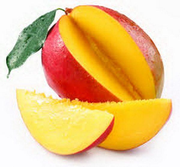 Разрезать манго дольками