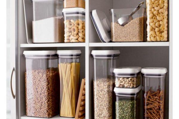 Сыпучие продукты в пищевых контейнерах