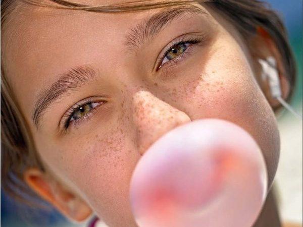 Надувание «резиновых» пузырей