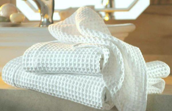 Белые вафельные полотенца