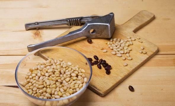 Давилка для чеснока и орехи