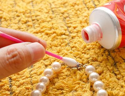 Как чистить застёжку жемчужной нити