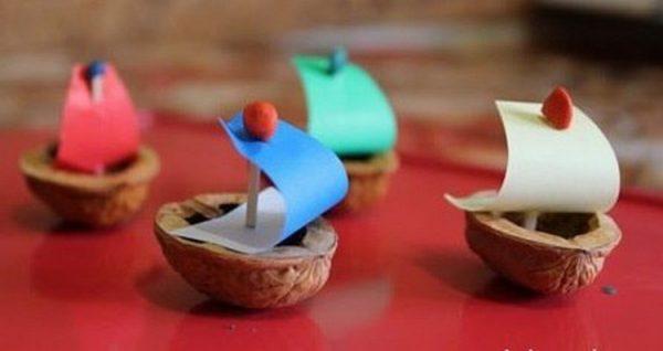 Кораблики из скорлупы грецкого ореха