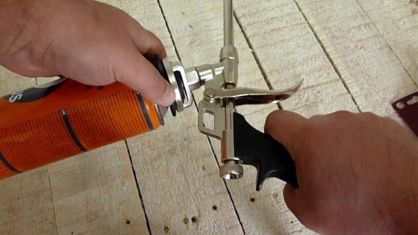 Собранный пистолет для монтажной пены