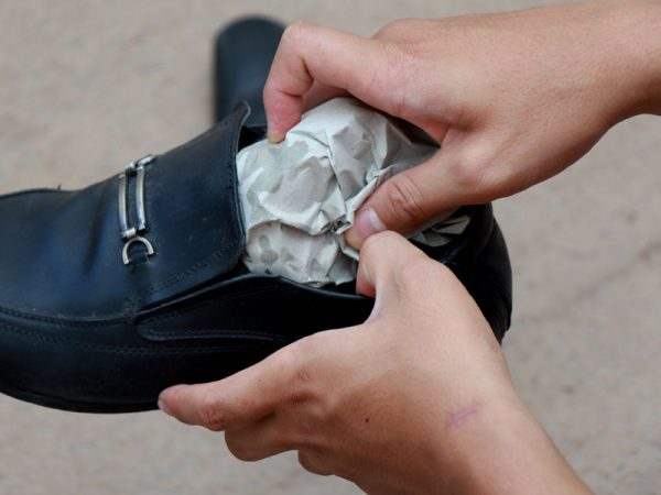 r 9 600x450 - Как растянуть туфли в домашних условиях - работа с лаковой, кожаной и другими видами обуви