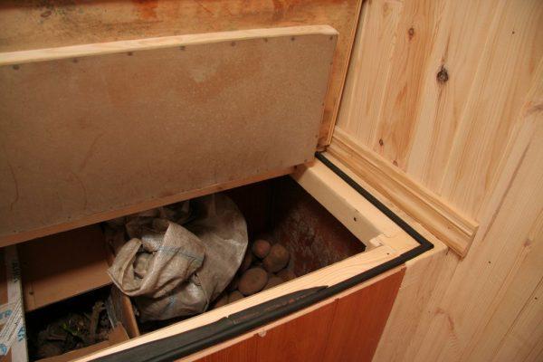 Ящик для хранение картофеля на балконе