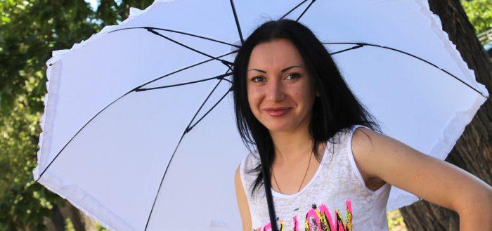 Как постирать зонтик в домашних условиях, чем его можно чистить, каким образом правильно сушить