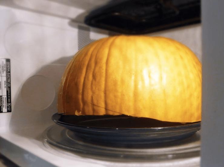 Как удалить мякоть из тыквы