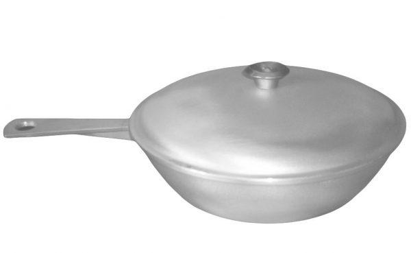 Литая сковорода с крышкой