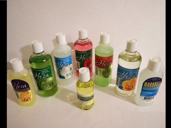 Чем мыть линолеум в домашних условиях так, чтобы он блестел, как бороться с въевшейся грязью и другие рекомендации