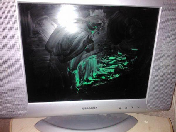 Пластилин на экране телевизора