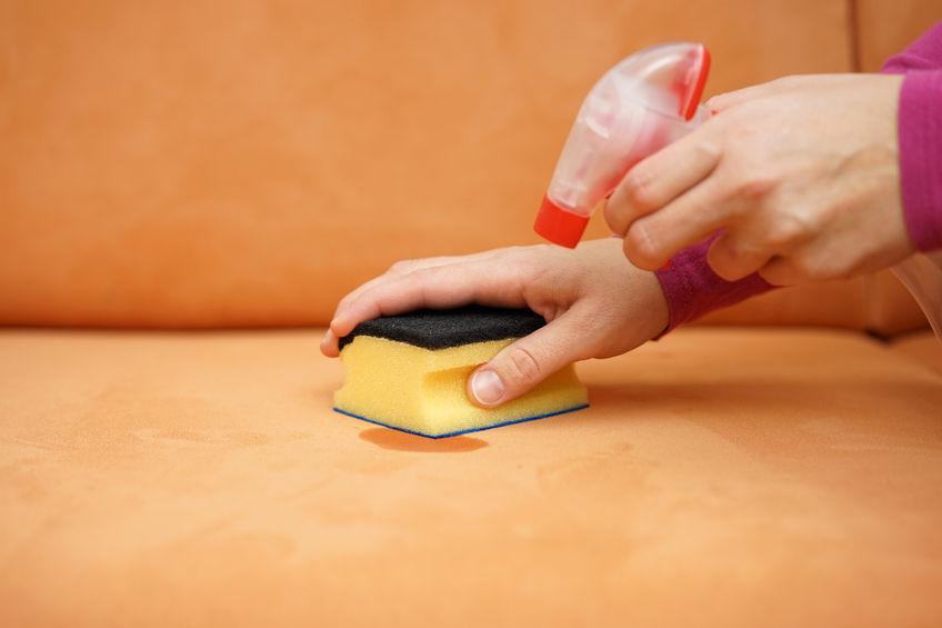 Вывести жирное пятно с дивана в домашних условиях 506