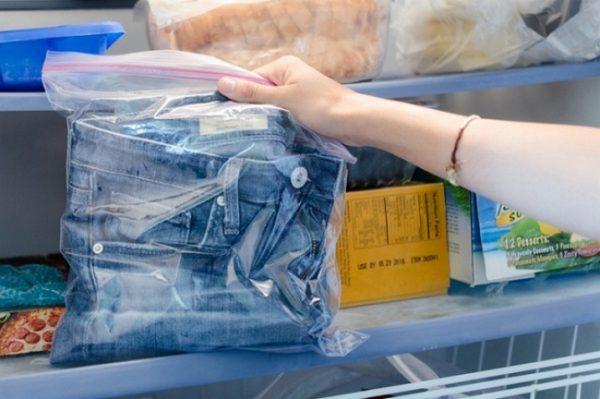 Джинсы в холодильнике