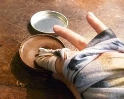 Как можно наносить крем на обувь