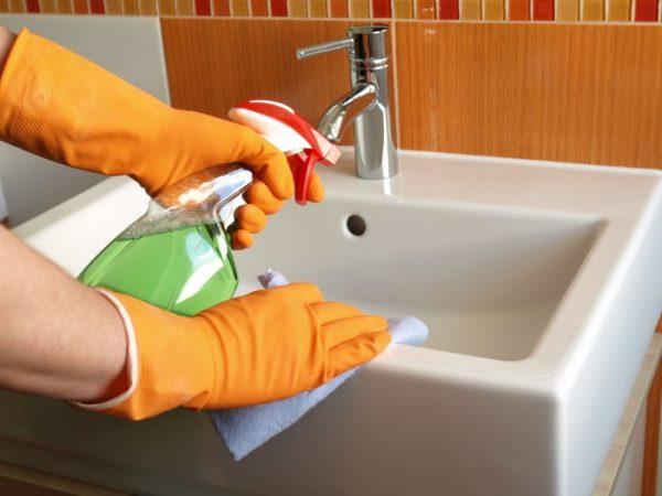 Мытье умывальника