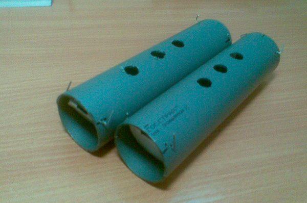 Отрезки трубы с отверстиями