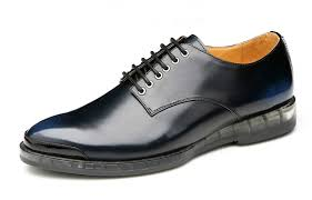 Туфли из полированной кожи