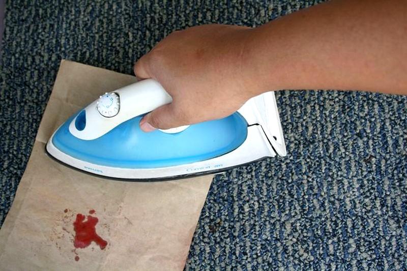 Как убрать пятно на утюга фото