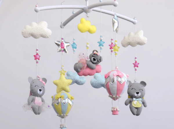 Детский мобиль с мишками и звёздами