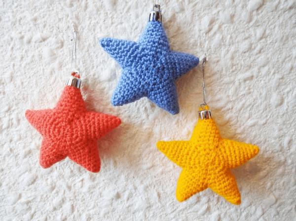 Готовые вязаные звёздочки